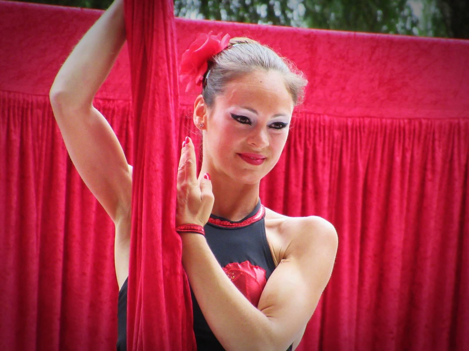 Cabaret circus 13