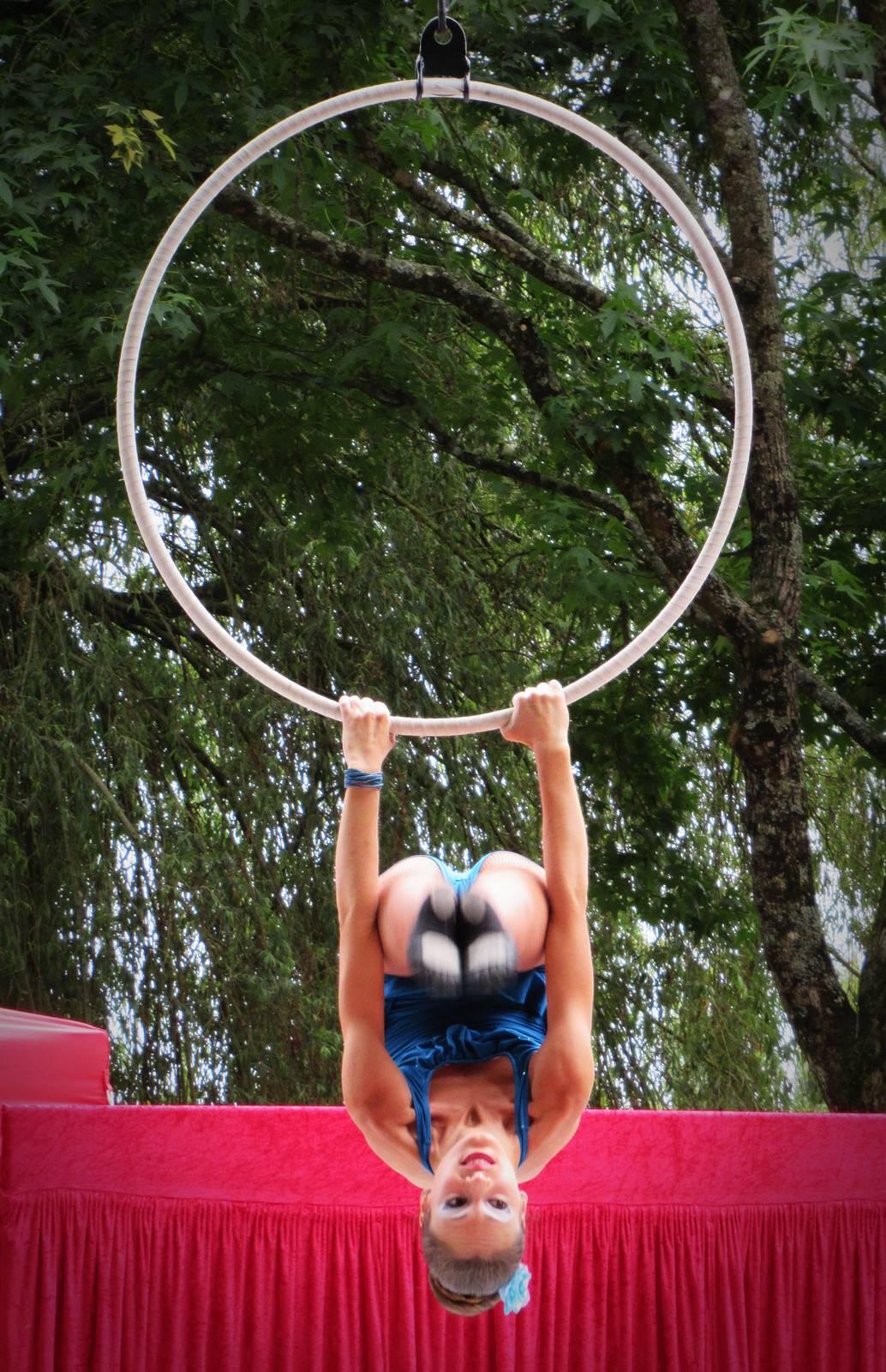 Cabaret circus 9