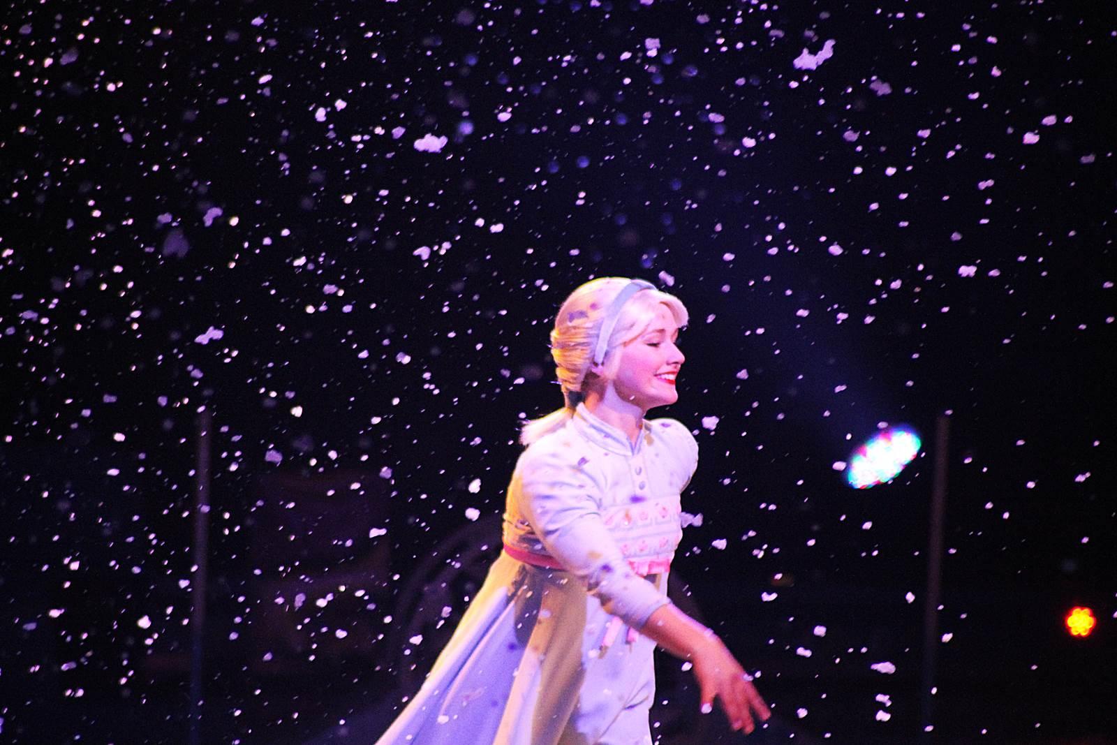 Disney sur glance reine des neiges 10