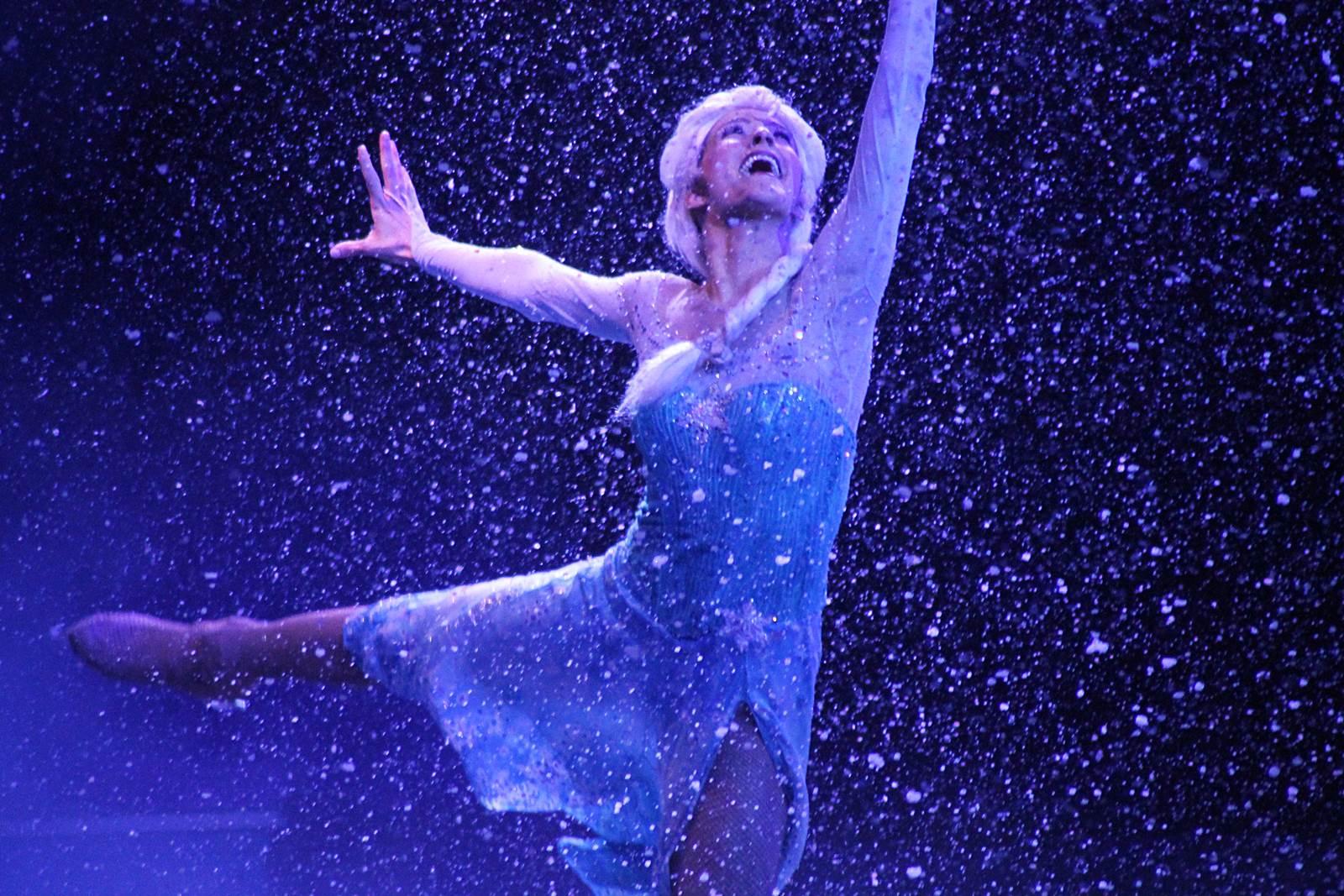 Disney sur glance reine des neiges 24