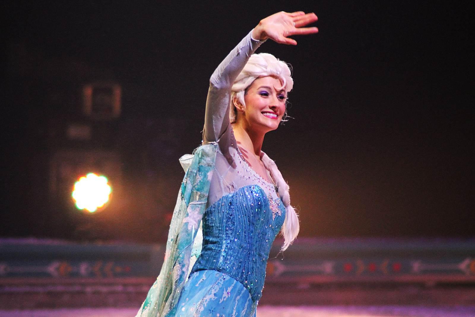 Disney sur glance reine des neiges 40