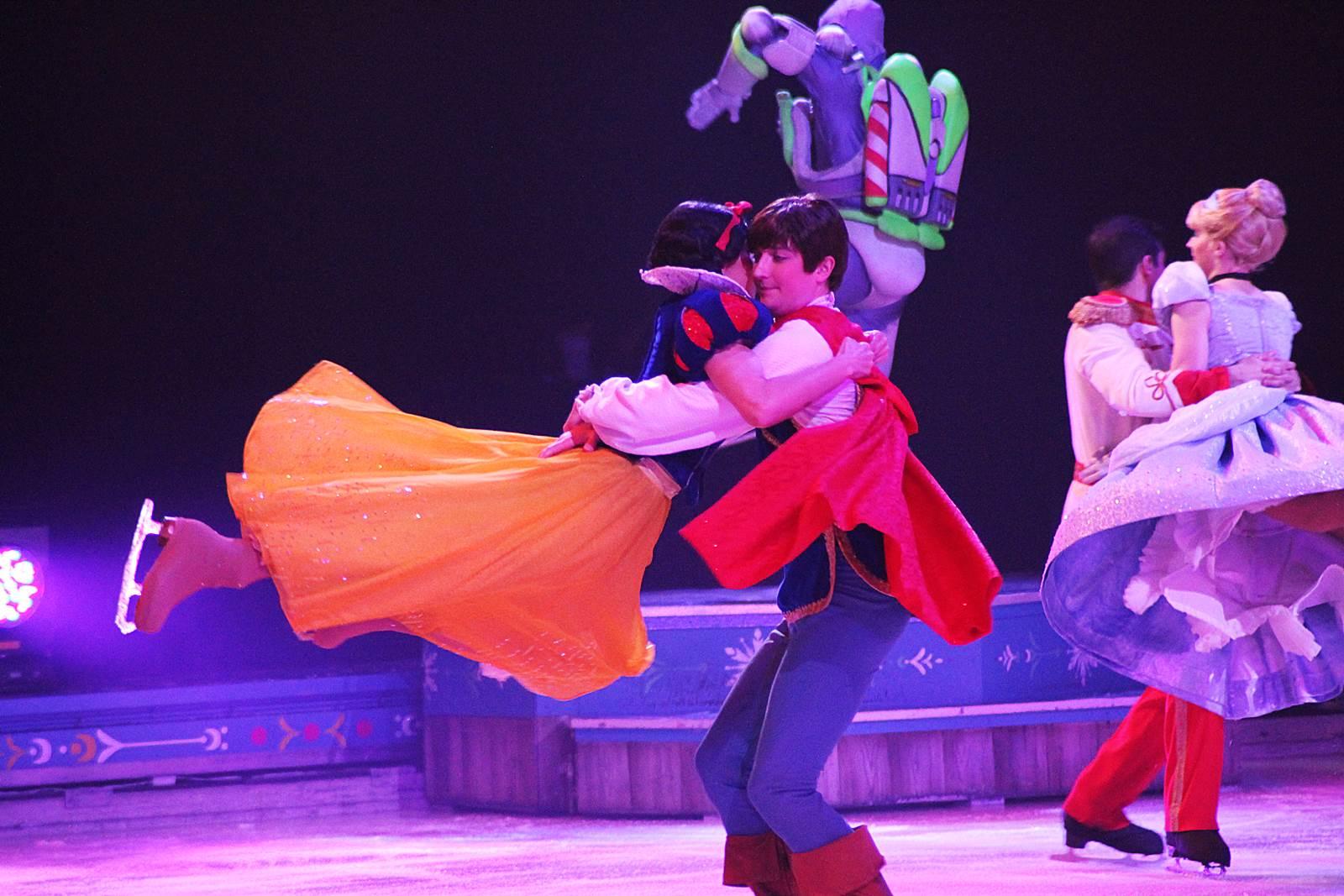 Disney sur glance reine des neiges 5