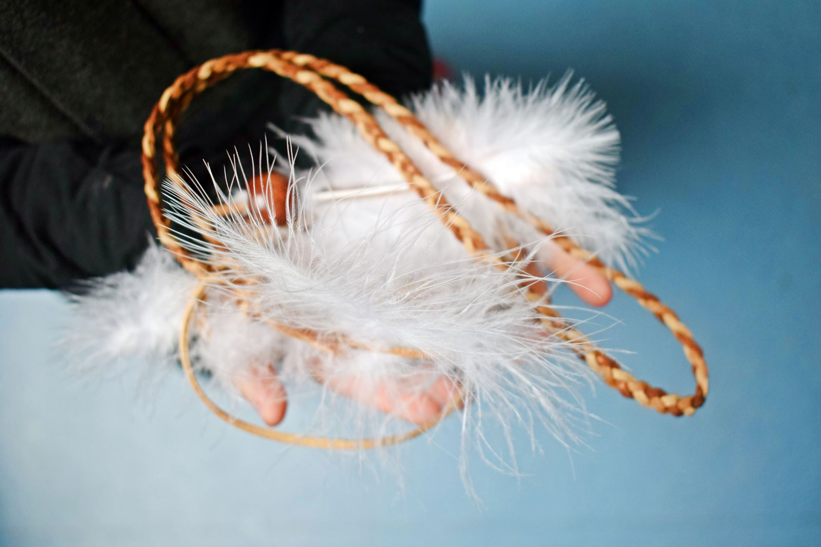 Diy couronne de plumes et de perles our little family le blog 3 bis