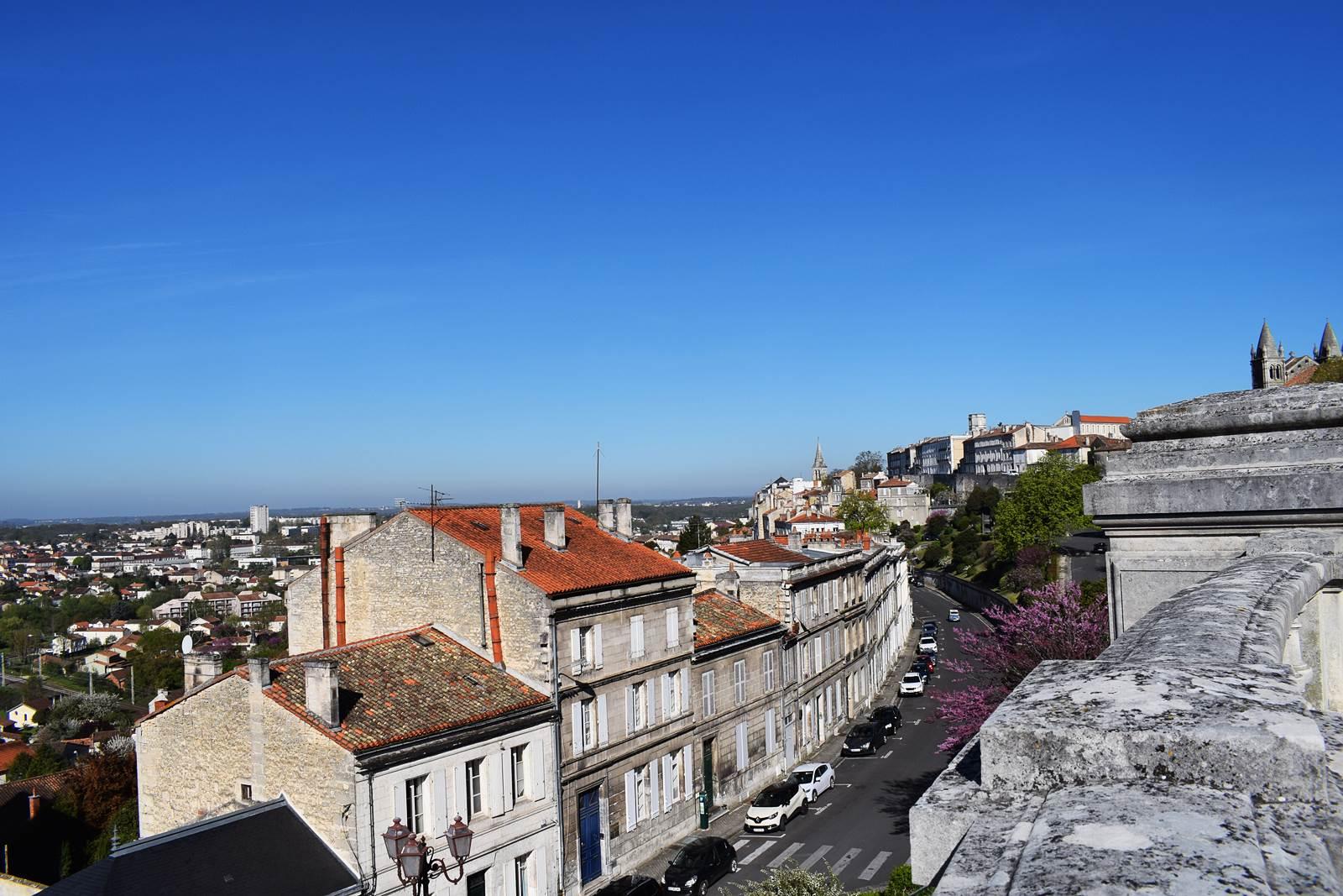 Angouleme 9