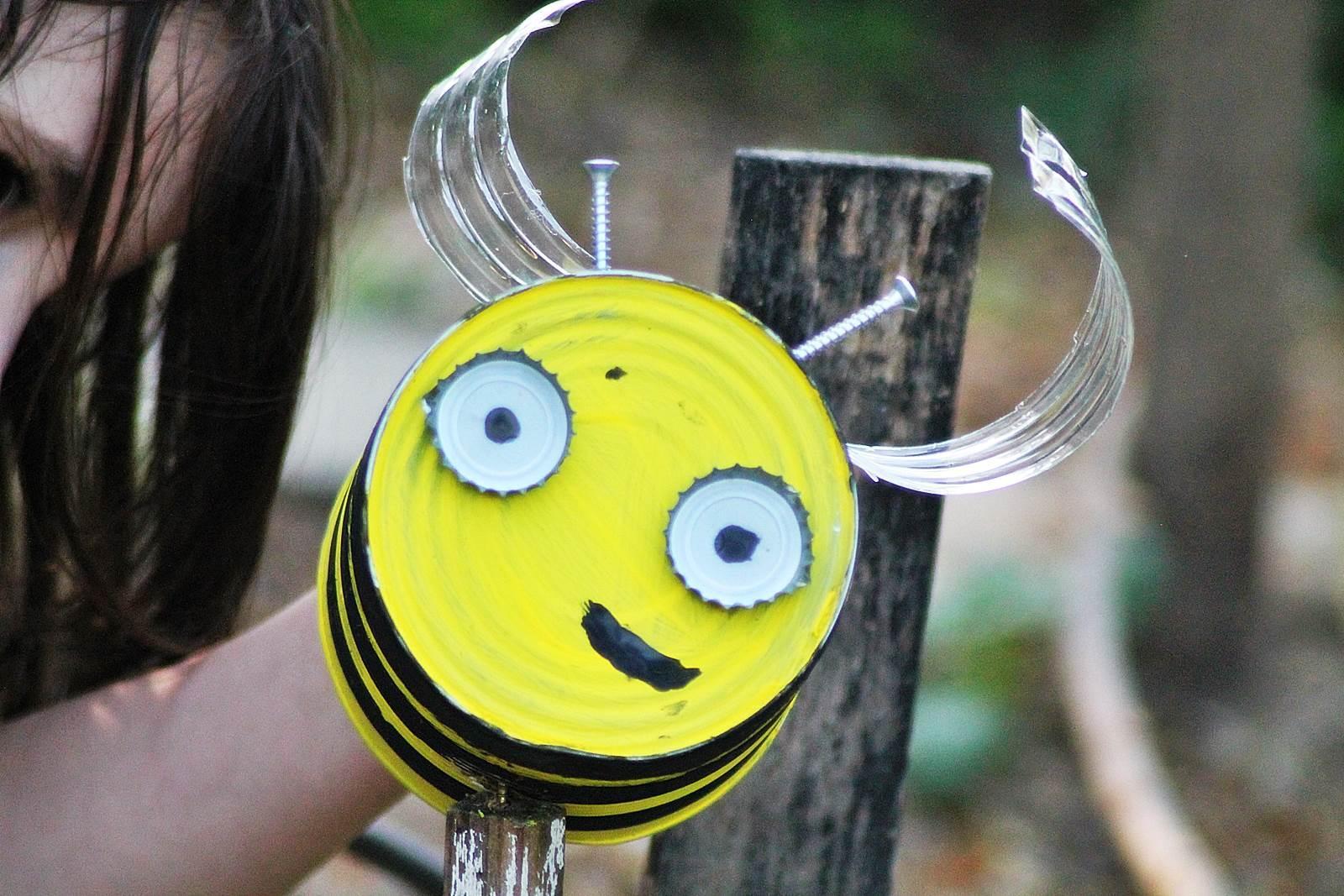 Boite de conserve abeille 2