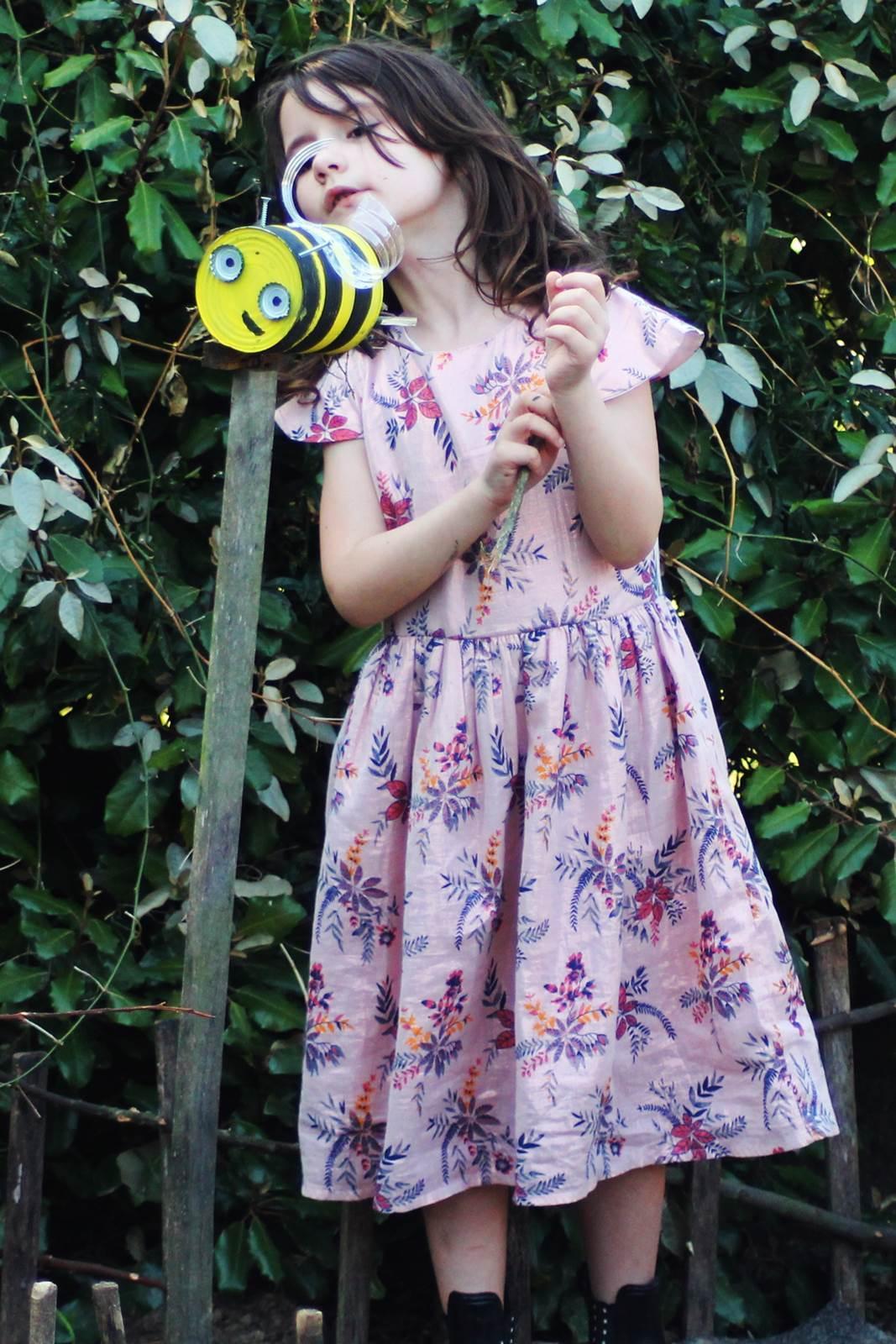 Boite de conserve abeille 7