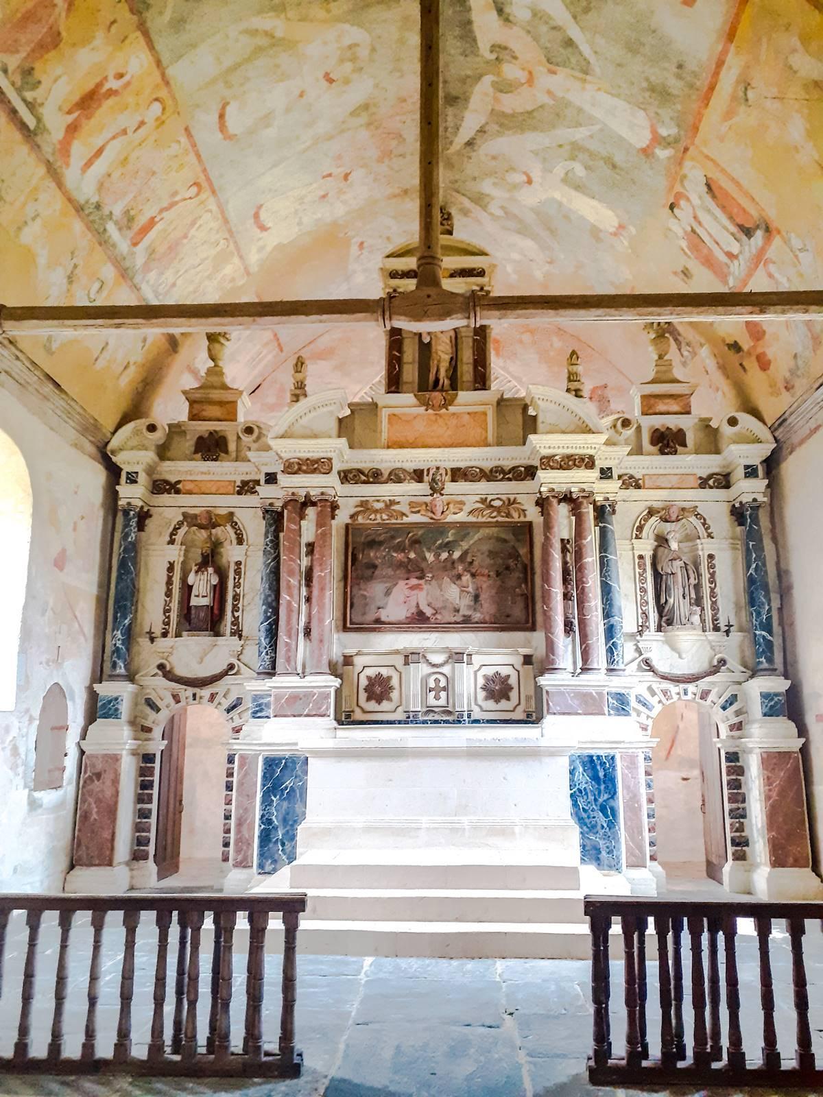 Egleglise du vieux bourg de saint sulpice002