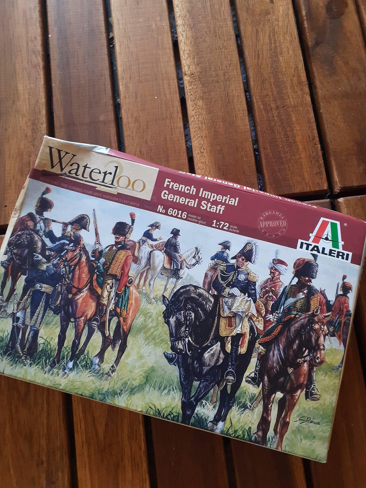 Maquette de napoleon et de ses soldats durant la bataille de waterloo20210317 115140