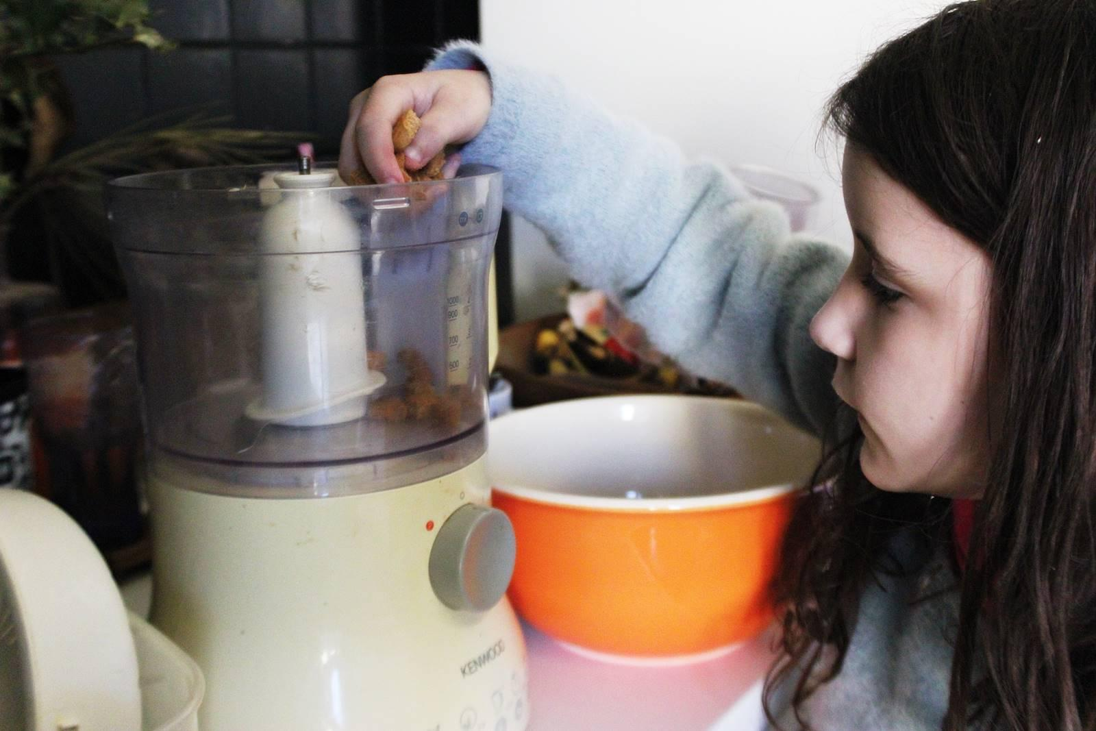 Recette fondant chocolat sans cuisson au speculoos hameaux bioimg 8460