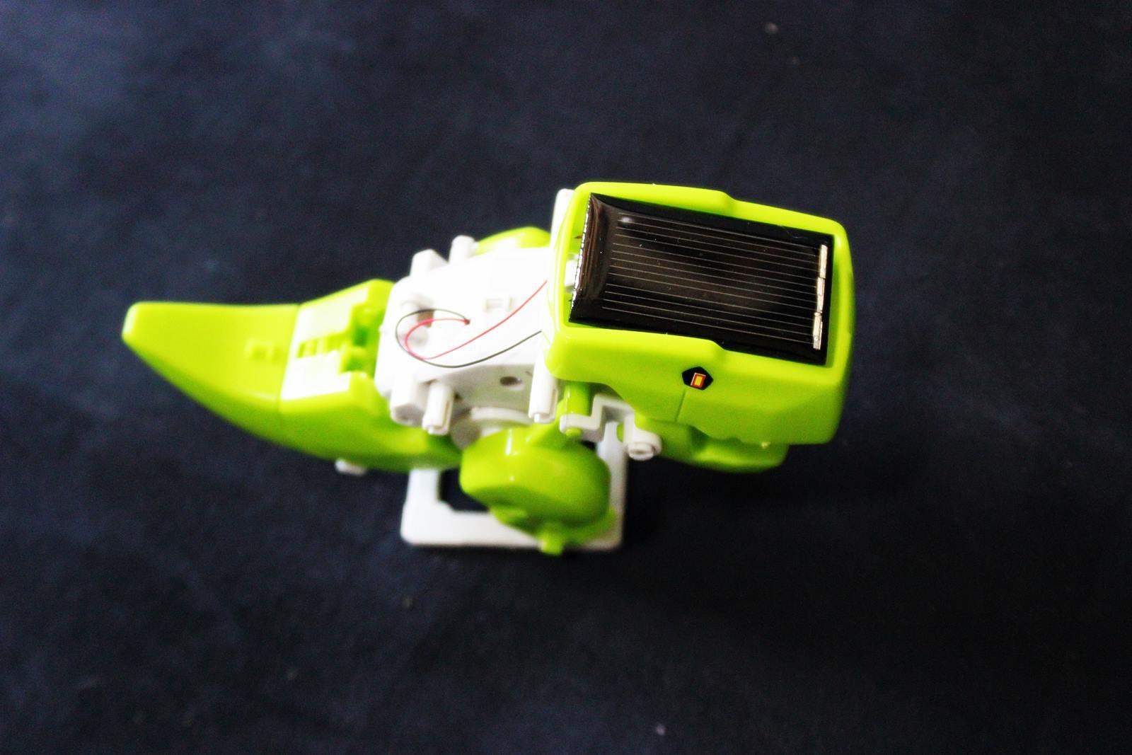 Robot solaire actionimg 2721