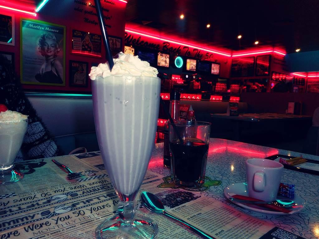 Tommy s diner cafe angers 13